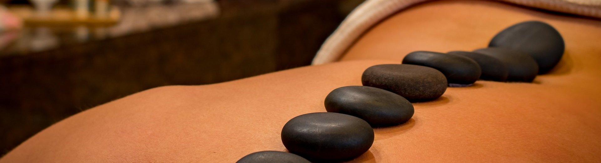 Hot stone massage giver velvære